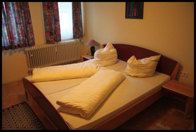 costa smeralda in steinsfurt die fremdenzimmer. Black Bedroom Furniture Sets. Home Design Ideas
